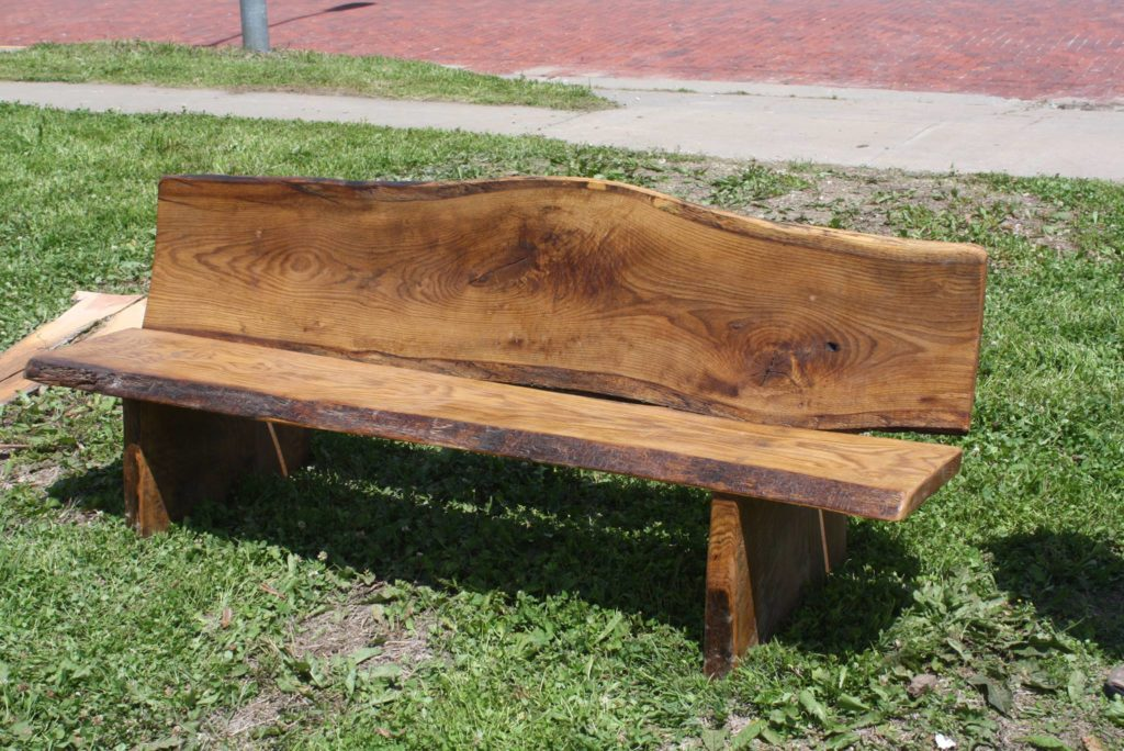 Here's a garden bench Dave made recently. Right now, he's been giving them away to friends but we bet it won't be long before he starts selling them for a pretty penny.