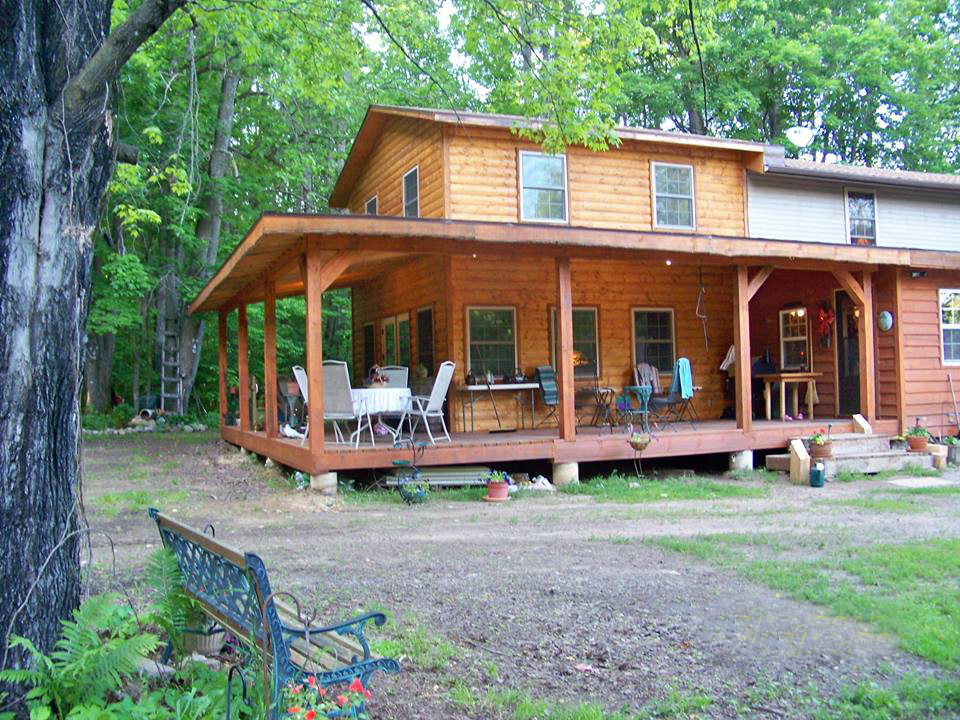 Home sweet home, here's Lynn's finished addition. complete with a nice wraparound porch.