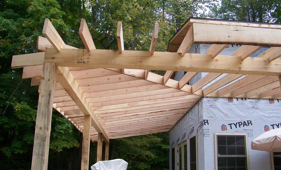 Note the nice carpentry work on Lynn's covered porch. He sawed every board on his TimberKing